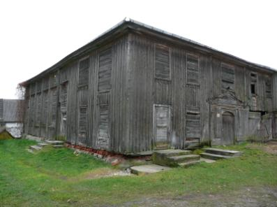 one of the last remaining original wooden synagogues in the town of Ziezmariai in the whole of central Europe, in desperate need of restoration and repair